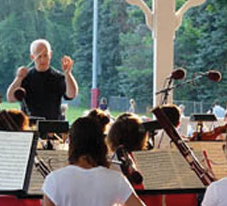 Michael Shapiro conducts Schubert's Unfinished Symphony in the Chappaqua Gazebo with The Chappaqua Orchestra.