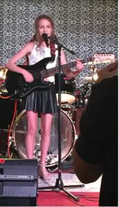 Sasha Warm performing at our recital at MTK Tavern
