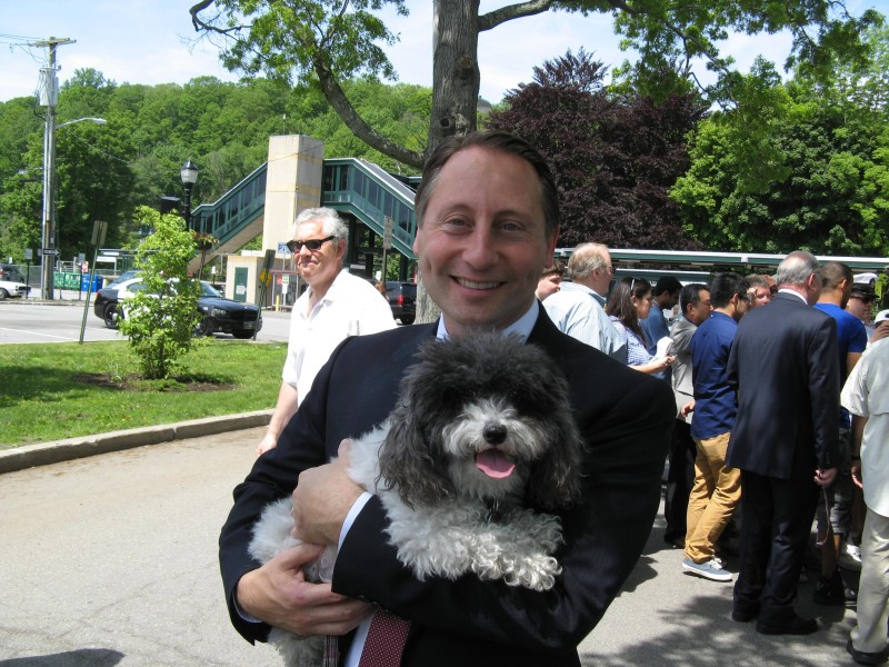 Rob Astorino with Maggie Mae Pup Reporter, 2014 by Ronni Diamondstein