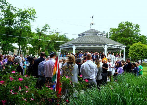 Chappaqua Vigil for Orlando Photo by Grace Bennett/Inside Press